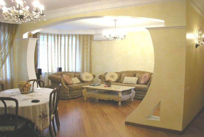 Дизайн пятиугольной комнаты в однокомнатной квартире